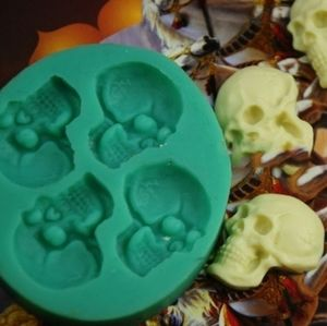 NWOT Skull Head Silicone Mold